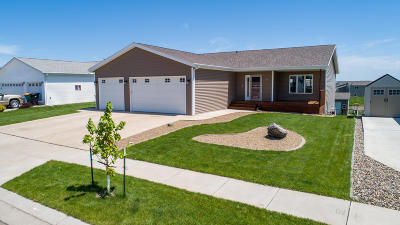 Bismarck Single Family Home For Sale: 3307 Frost Lane