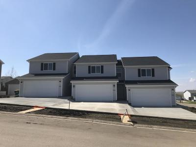 Mandan Condo/Townhouse For Sale: 4523 Corvette Street NW