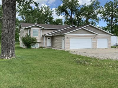 Bismarck Single Family Home For Sale: 6826 Horseshoe Bnd