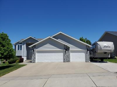Bismarck Single Family Home For Sale: 4712 Amberglow Drive