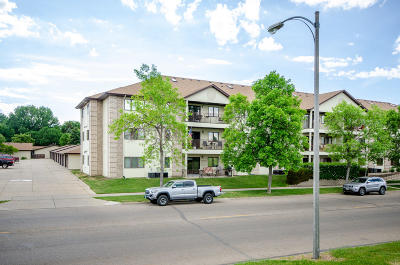 Bismarck Condo/Townhouse For Sale: 3000 4th Street N #221