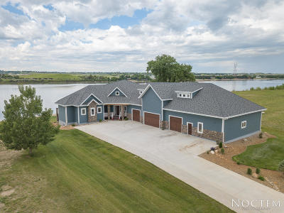 Bismarck Single Family Home For Sale: 6200 Misty Waters Drive