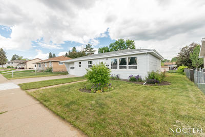 Bismarck ND Single Family Home For Sale: $214,900