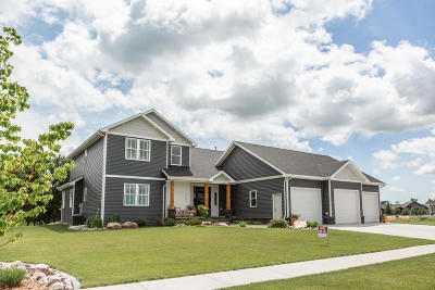Bismarck Single Family Home For Sale: 4065 Downing Street