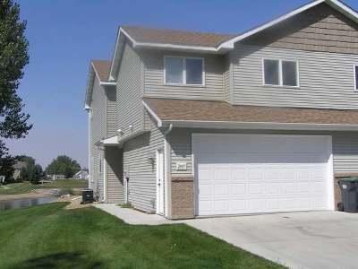 Mandan Single Family Home For Sale: 2447 Waterpark Loop SE
