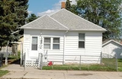Mandan Single Family Home For Sale: 210 8th Avenue SW