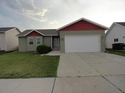 Mandan Single Family Home For Sale: 5009 37th Avenue NW