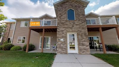 Mandan Condo/Townhouse For Sale: 2901 Edgewater Loop SE #5