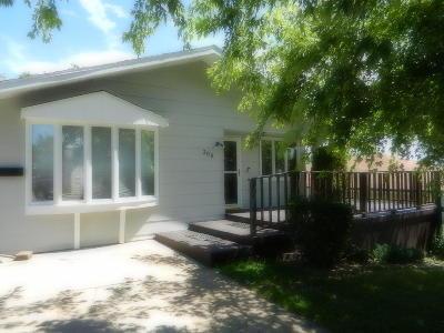 Mandan Single Family Home For Sale: 308 10th Avenue NE