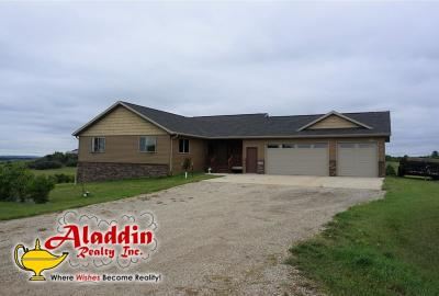 Mandan Single Family Home For Sale: 2382 Harmon Lane N