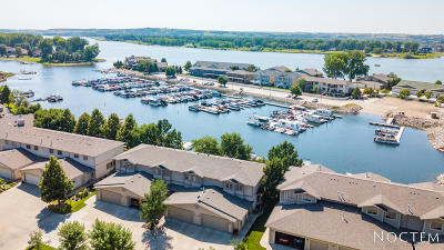 Bismarck Condo/Townhouse For Sale: 1304 Riverwood Drive