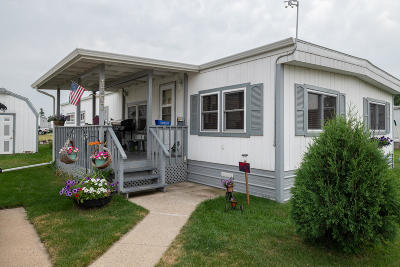Mandan Mobile/Manufactured For Sale: 1303 Pioneer Trail Trail