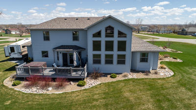 Bismarck Single Family Home For Sale: 8500 Burnt Creek Island Road