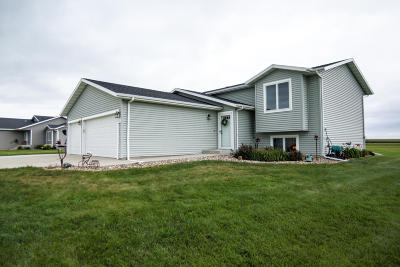 Bismarck Single Family Home For Sale: 5512 Kayley Drive
