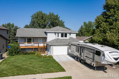 Mandan Single Family Home For Sale: 3005 Bayside Drive