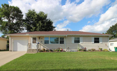 Bismarck Single Family Home For Sale: 422 W Turnpike Avenue