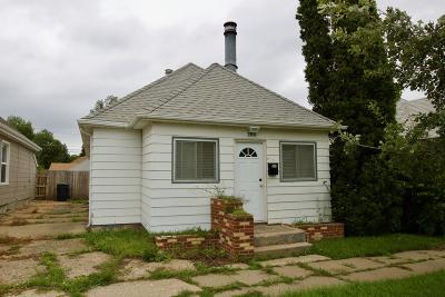 Mandan Single Family Home For Sale: 208 3rd Avenue NE