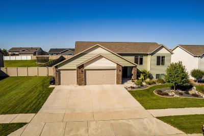 Mandan Single Family Home For Sale: 1801 Canyon Road SW