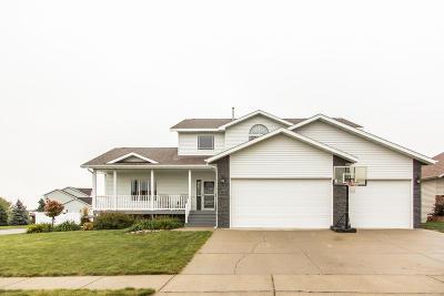 Bismarck Single Family Home For Sale: 4433 Boulder Ridge Road