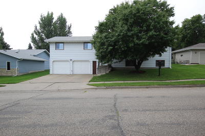 Bismarck Single Family Home For Sale: 2253 Grant Drive Drive