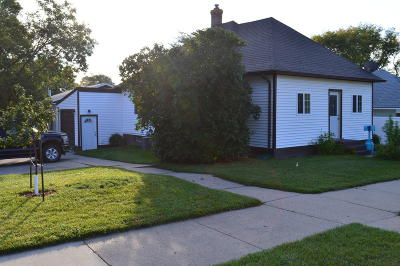 Mandan Single Family Home For Sale: 210 7th Avenue NW