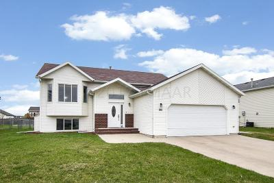 Fargo Single Family Home For Sale: 1811 52nd Street S