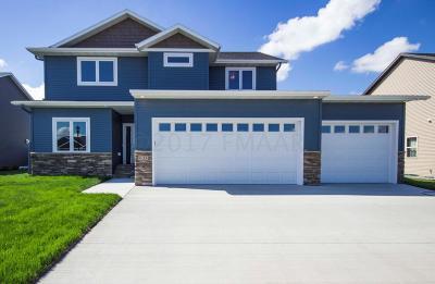 West Fargo Single Family Home For Sale: 633 29 Avenue E