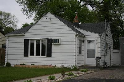 Fargo Single Family Home For Sale: 1537 10 Avenue S