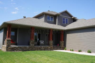 West Fargo Single Family Home For Sale: 711 47 Avenue W