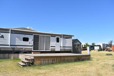 Detroit Lakes Mobile Home For Sale: 1540 Us Hwy 59 -- S #305