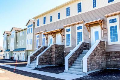 West Fargo Condo/Townhouse For Sale: 3313 5 Way E #C