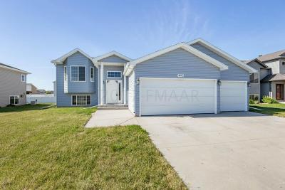 Fargo ND Single Family Home For Sale: $239,000