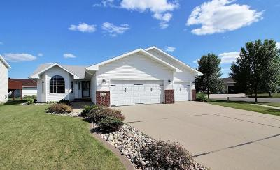 West Fargo Single Family Home For Sale: 654 Wyndemere Drive