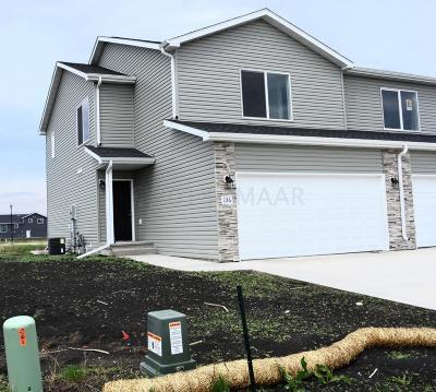 Mapleton Single Family Home For Sale: 136 Pine Avenue