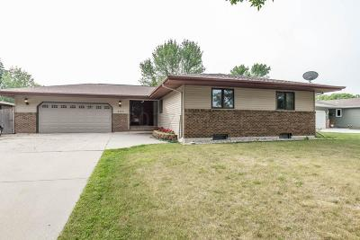 Fargo Single Family Home For Sale: 2908 Southgate Drive S