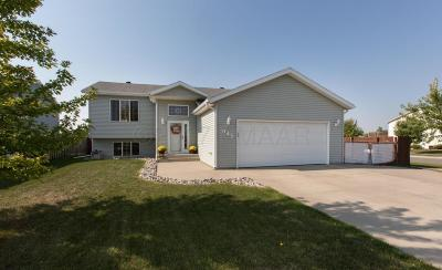 West Fargo Single Family Home For Sale: 945 38 1/2 Avenue W
