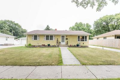 Fargo Single Family Home For Sale: 2217 9 1/2 Street N