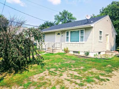 Kindred Single Family Home For Sale: 131 5 Avenue N