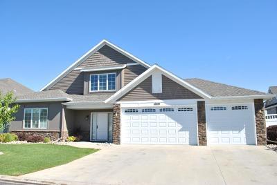 West Fargo Single Family Home For Sale: 730 Villa Park Way