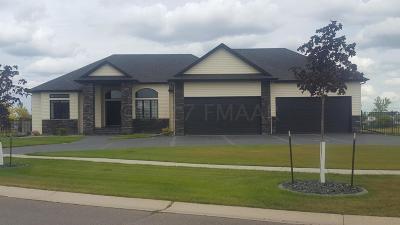 West Fargo Single Family Home For Sale: 1925 Burlington Drive