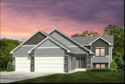 West Fargo Single Family Home For Sale: 1069 Wildflower Lane W