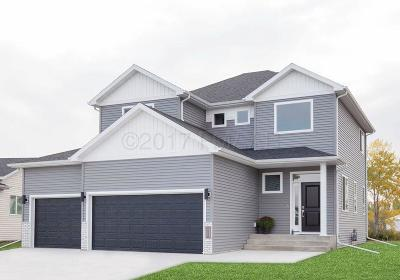 Fargo ND Single Family Home For Sale: $329,900