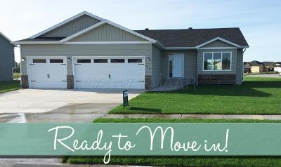 West Fargo Single Family Home For Sale: 611 13 Avenue NW