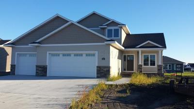 Fargo Single Family Home For Sale: 3644 Cordova Loop S