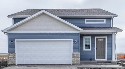 West Fargo Single Family Home For Sale: 2743 Westwood Street W