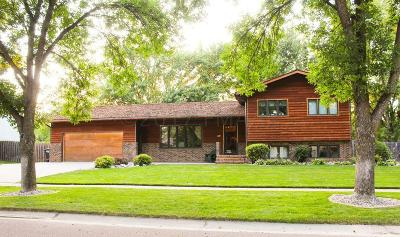 Fargo Single Family Home For Sale: 3308 Peterson Parkway