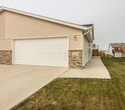 Fargo Single Family Home For Sale: 5221 50 Avenue S