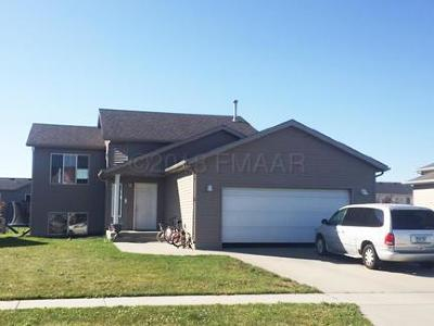 West Fargo Single Family Home For Sale: 3532 Eagle Run Drive