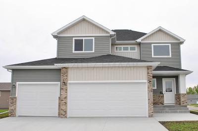 West Fargo Single Family Home For Sale: 2438 North Pond Drive E