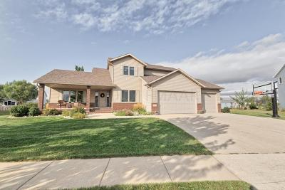 West Fargo Single Family Home For Sale: 1072 Parkway Lane